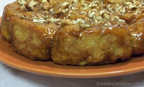 Honey Caramel Sticky Nut Buns: HBinFive