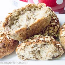 Muesli Rolls with Oat and Seed Soaker #breadbakingbabes